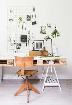 pallet als bureau | pallet in office | vtwonen binnenkijken special 2016 | photography: Hans Mossel | styling: Sabine Burkunk