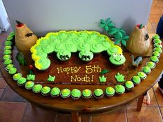 Everyone should have a little Sweet Tooth Dinasour Birthday Cake, Dinosaur Birthday Party, 3rd Birthday Parties, Birthday Ideas, Birthday Cakes, Third Birthday, Pull Apart Cupcake Cake, Pull Apart Cake, Dinosaur Cupcake Cake