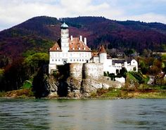 The 1.5-hour sail through the Wachau Valley between Melk and Dürnstein is one of the highlights of a Danube cruise
