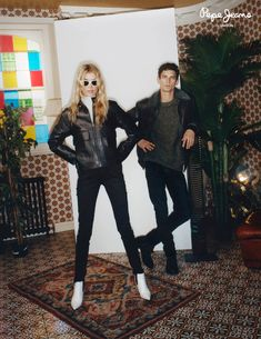 Stella Maxwell returns as the face of Pepe Jeans' fall-winter 2018 campaign. Joined by Arthur Gosse and Jelle Honing, the New Zealand model poses in retro… Daily Fashion, Retro Fashion, Edie Campbell, Stella Maxwell, Fall Jeans, Pepe Jeans, Fall Winter, Handsome, Vogue