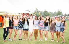 Central Pennsylvania Senior Photographer Brianna Wilbur photographed senior girls at local, fun, colorful carnival Fair Photography, Group Pictures, Wedding Portraits, Portrait Photographers, Carnival, Cute Outfits, Super Cute, Guys, Celebrities