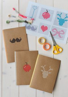 Easy and affordable notebook DIY DIY pour carnet facile et pas cher Cross Stitching, Cross Stitch Embroidery, Cross Stitch Patterns, Notebook Diy, Plain Notebook, Handmade Notebook, Notebook Covers, Paper Crafts, Diy Crafts