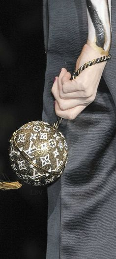 Louis Vuitton Runway details | LBV ♥✤