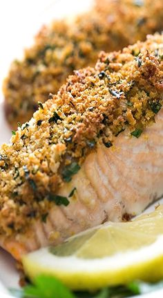 Salmon steaks or fillets coated in honey mustard, breaded with Japanese panko crumbs, and baked to perfection. Panko Salmon Recipe, Salmon Steak Recipes, Crusted Salmon, Healthy Salmon Recipes, Fish Recipes, Seafood Recipes, Baked Salmon Steak, Seafood Meals, Lunches