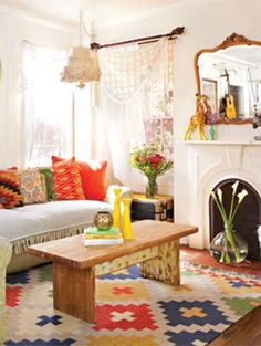 bedroom So not dream home. but good for a studio apartment Justina Blakeney's in Cottages and Bungalows Magazine Bohemian Chic Living Room, Decor, Jungalow, Home Decor Paintings, Chic Living Room, Latest House Designs, Cottages And Bungalows, Interior Design, Room