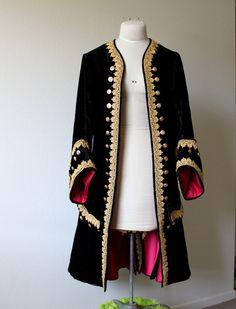 Possible pirate coat costume Pirate Jacket, Pirate Garb, Afghan Clothes, Afghan Dresses, Frock Coat, Coat Dress, Velvet Fashion, Baroque Fashion, Historical Costume