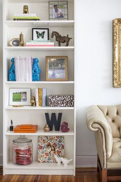 bookshelf inspiration, gold accents, living room inspiration