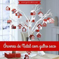 Árvores de natal feitas com galho seco para você decorar a sua casa gastando pouco. Decoração econômica para o natal.