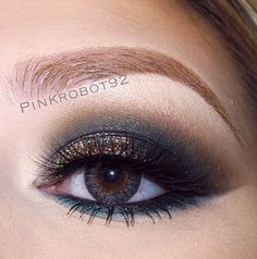 Black and gold sprinkle smokey eye makeup