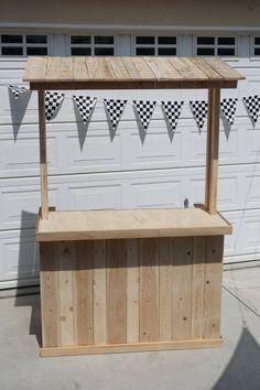 Reclaimed Pallet Wood Lemonade Bar (Limonadenständer in Erwachsenengröße) Pallet Lounge, Diy Pallet Sofa, Diy Pallet Projects, Pallet Furniture, Wood Projects, Pallet Ideas, Pallet Headboards, Pallet Dining Table, Diy Outdoor Table