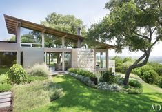 Lake|Flato Architects and designer Terry Hunziker collaborated on an airy retreat inventively anchored to its magnificent site overlooking downtown Austin.