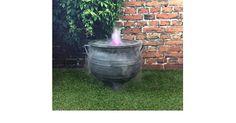 *werbung* Hexen Ultra Sonic Mist Maker Halloween Cauldron 38,1 cm Gusseisen Effekt - Die Hexen-Kessel ist eine Weiterentwicklung unserer Standard-Nebelmaschine Hexenkessel Topf. Es wurde entwickelt, um ein wenig Spaß und Realismus, um Ihre Halloween-Party/Feier und fügt hinzu, tolle Dekoration mit ultra sonic Nebelmaschine, er bringt Leben in den Hexenkessel. Den Nebelerzeuger is...
