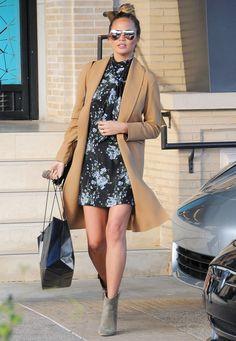 ae50a5e649  chrissyteigen  vestidofloral  vestidoestampado  estampafloral  moda   estilo  dicasdeestilo  streetstyle