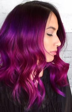 Purple ombre hair looks breathtaking and alternative color variations are surely mainstream nowadays. Are you ready to choose your perfect purple combo? Purple Ombre, Brown Ombre Hair, Hair Color Purple, Cool Hair Color, Blonde Color, Red Purple, Fuschia Hair, Hair Color Highlights, Hair Color Balayage