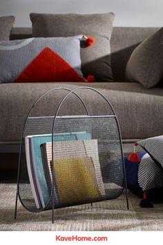 Imperfectamente perfecto. Así es el revistero Aviva. En el mesh encontrarás el efecto de la pintura entre las varillas de metal, distinto en cada pieza, por lo que la hace especial y única. Porque sabemos que te gusta lo diferente, incluso en los pequeños detalles, este revistero es tuyo. #metal #industrial #elegante #diseño #original #detalles #muebles Clinic Design, Metal Industrial, Throw Pillows, Room, Interiors, Inspiration, Home Decor, Products, Powder Paint