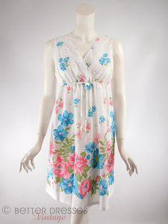 Vtg 70s White Floral Cotton Short Nightie  sm med by BeeDeeVintage, $25.00