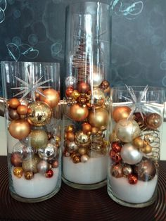 Wonderful DIY Winter Centerpieces Decoration Ideas For Inspiration - Kerst ideeën The Effective Pictures We Offer You About apartment ideas A quality picture can tell - Silver Christmas, Noel Christmas, Simple Christmas, Christmas Crafts, Cheap Christmas, Christmas Tree Ideas, Office Christmas, Christmas Vases, Christmas Bathroom Decor