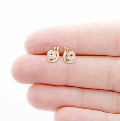 14k White Gold Love Knot Post Earrings 10 mm x 10 1.10gr