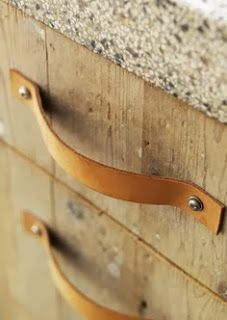 DIY Leather Strap Drawer Pulls/Handles for upcycled drawers Diy Furniture, Furniture Design, Mini Loft, Drawer Handles, Diy Cabinet Handles, Leather Projects, Beautiful Interiors, Leather Handle, Diy Leather Drawer Pulls