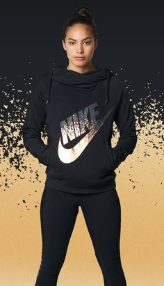 // a pop of party. The iconic Nike swoosh gets a bright new look on the Nike Rally Metallic Funnel Neck Pullover hoodie. Sport layers of brand new Nike Prints made to play up your personal style. Sporty Outfits, Nike Outfits, Athletic Outfits, Athletic Shoes, Sport Fashion, Teen Fashion, Fitness Fashion, Fitness Outfits, Nike Fashion