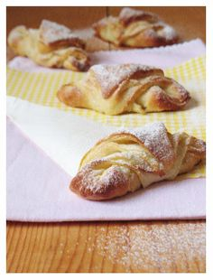 Sweetheart: Brzi kroasani i umak od pirjanih jabuka / Quick Croissants With a Sauteed Apples Sauce