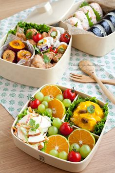 Mandarin, grapes, tomatoes, coleslaw, cabbage, apple, and pumpkin salad.