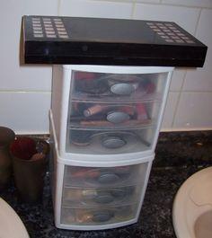 Makeup Organization Idea: My Countertop Cosmetics Organizer