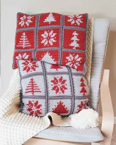 , Modern Hygge Pillows - free Christmas tapestry crochet pattern , Make this Christmas tapestry crochet pattern and enjoy your Scandinavian-inspired pillows all winter long! Christmas Crochet Blanket, Crochet Winter, Holiday Crochet, Christmas Knitting, Christmas Afghan, Crochet Pillow Patterns Free, Tapestry Crochet Patterns, Afghan Patterns, Square Patterns