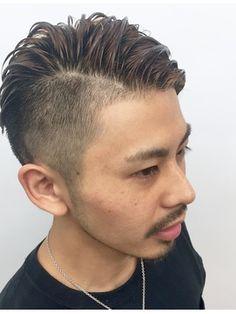 【2018年春】【heel】上杉秀明 ワイルドツーブロックモヒカン☆サイドパート/heel GINZA【ヒール ギンザ】のヘアスタイル|BIGLOBEヘアスタイル Barbers Cut, Asian American, Boy Hairstyles, Gentleman Style, Haircuts For Men, Yoko, Male Models, My Hair, Salons