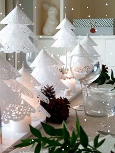 DIY Paper Doily Christmas Tree tutorial, Make Doily Christmas Tree Table Centerpiece for Holiday Decorations, such beautiful idea for wedding, too Christmas Tree On Table, Christmas Table Settings, Noel Christmas, Christmas Goodies, Winter Christmas, Christmas Decorations, Xmas, Winter Wonderland Decorations, Deco Table Noel
