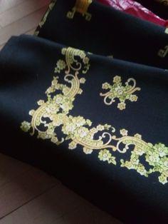 vintage shawl Vintage Antiques, Shawl, Bags, Jewelry, Fashion, Handbags, Moda, Jewlery, Jewerly