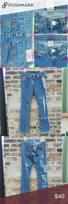 True Religion Johnny Jeans True Religion Johnny-Style Denim in great, lightly pre-worn condition. Size 25. True Religion Jeans