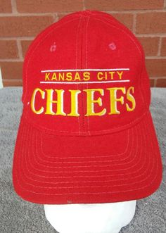 29fb60b0bb6 VINTAGE 90s Kansas City Chiefs split band NFL Starter Hat Snapback Cap Red   Starter  KansasCityChiefs
