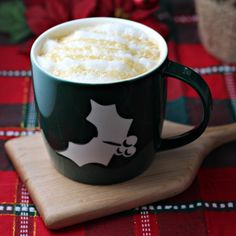 Make Your Own Caramel Vanilla Latte (+ BONUS: Peppermint Mocha Fudge)