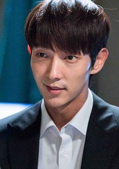 "Lee Joon Gi as Bong Sang Pil 🤜🤛 ""Lawless lawyer"" Baekhyun Moon Lovers, Joon Gi, Lee Jong, Lawyer, Kdrama, Singing"