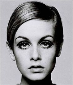 twiggy hair and makeup ... if you want to learn more about Twiggy, check out my blog post: http://1960sfashionstyle...