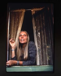 Joni Mitchell in Laurel Canyon