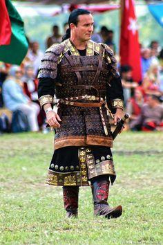 Andreas Biro | Hungary Viking Armor, Arm Armor, Body Armor, Fantasy Armor, Medieval Fantasy, Larp, Chinese Armor, Leather Armor, Cosplay