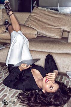 that shoot life; Bollywood Images, Bollywood Actress Hot Photos, Indian Actress Hot Pics, Indian Bollywood Actress, Most Beautiful Indian Actress, Bollywood Actors, Bollywood Fashion, Indian Actresses, Bollywood Celebrities