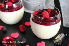 C'est la Saint-Valentin et quoi de mieux que cette Panna Cotta & son Coulis de Fruits Rouges pour terminer un repas en amoureux? Une subtile alliance entre la douceur de la vanille et la fraîcheur acidulée des fruits rouges. Avec cette recette, je participe...