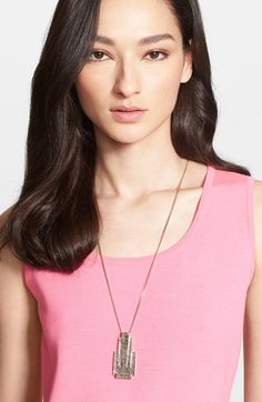 Women's St. John Collection Hammered Pendant Necklace - Flash Gold