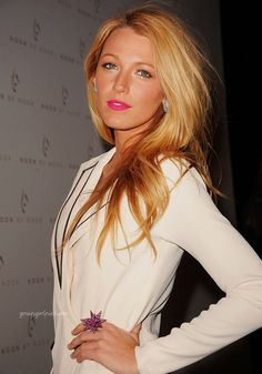 i secretly just wanna be her... okay so it's not a secret anymore. i outwardly wanna be blake lively. there i said it.