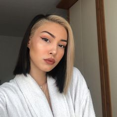 21 Trending E-girl Hairstyles That'll Turn You Into a TikTok Queen Blonde Streaks, Hair Color Streaks, Girl Hair Colors, Latest Hair Trends, Aesthetic Hair, Hair Photo, Hairstyles Haircuts, Party Hairstyles, Wedding Hairstyles