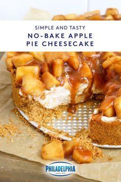 This No-Bake Apple Pie Cheesecake is the best of both worlds. Friendsgiving Recipe, Thanksgiving Desserts, Holiday Desserts, Holiday Baking, Just Desserts, Delicious Desserts, Yummy Food, Thanksgiving 2020, Apple Desserts