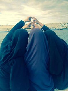 Masha'Allah <3 <3 Muslim Girls, Muslim Women, Anime Muslim, Hijab Niqab, Arab Fashion, Bff Goals, Girls Dpz, Secret Life, Friends Forever