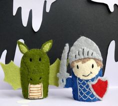 Knight and Dragon - Two Handmade Felt Finger Puppets idea Felt Puppets, Paper Bag Puppets, Felt Finger Puppets, Felt Diy, Handmade Felt, Felt Crafts, Softies, Sewing Crafts, Sewing Projects