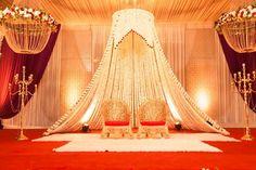 White's and Gold's doing the magic! #Magical #White #Gold #Flower #Candle #IndianWedding #Wedding #WeddingDecor #DreamDecor #Indiandecor #Wedzo #WedzoWedding #Shaadi