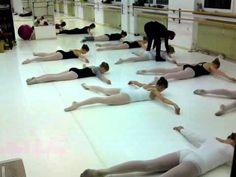 Floor Barre Ballett Kniaseff Bodentraining.