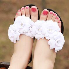 $12.28 (Buy here: https://alitems.com/g/1e8d114494ebda23ff8b16525dc3e8/?i=5&ulp=https%3A%2F%2Fwww.aliexpress.com%2Fitem%2F2016-New-Summer-Sandals-Women-Flip-Flops-Shoes-Woman-Sapato-Feminino-Casuals-Jelly-Sandalias-Mujer-Sandale%2F32667917396.html ) 2016 New Summer Sandals Women Flip Flops Shoes Woman Sapato Feminino Casuals Jelly Sandalias Mujer Sandale Femme White Sandalia for just $12.28