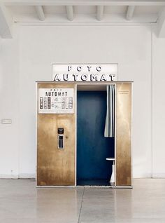 Vintage brass photobooth designed by Fotoautomat France installed in National Gallery Prague Prague, Photo Booth, Vintage, Brass, Gallery, Design, Pictures, Photo Booths, Roof Rack